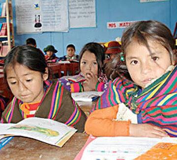 0 En regiones indígenas de Michoacán se imparten clases presenciales